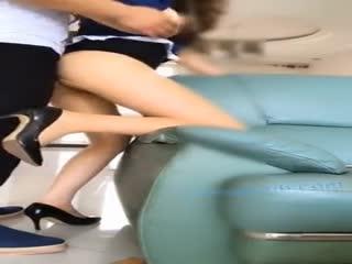 被大黑屌土豪包养的极品网红思瑞姐高跟肉丝性感美腿客厅沙发上多体位啪啪啪好骚啊