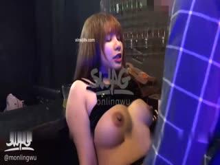 台湾SWAG-酒吧艳遇爆乳黑丝调酒师 用火辣身体慰藉失恋的我 无套暴力抽插射了好多