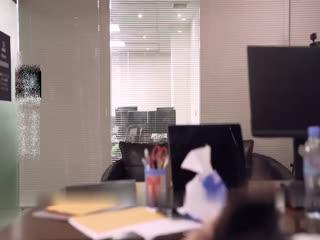 最新【新年贺岁档】91国产痴汉系列经理看片痴狂,在办公室强行后入员工720P高清版