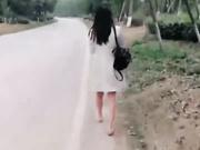 骚母狗车内全裸搭讪路人SM调教露出