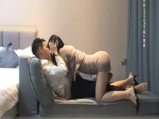 【全国探花】极品性感包臀裙妹子啪啪 舌吻翘屁股调情穿上黑丝骑乘猛操