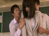 3-每天被学生和家长轮奸的女教师 冈咲かすみ【破解】