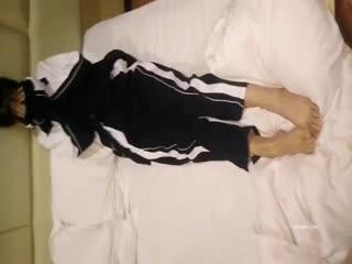 广州高三学生极品校花 因欠债被逼至酒店爆操 内射美鲍 饱满阴户超得劲!