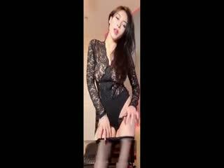 网红女神『谭晓彤』最新付费大尺度私拍流出 爆乳极色超诱惑 魅惑私拍